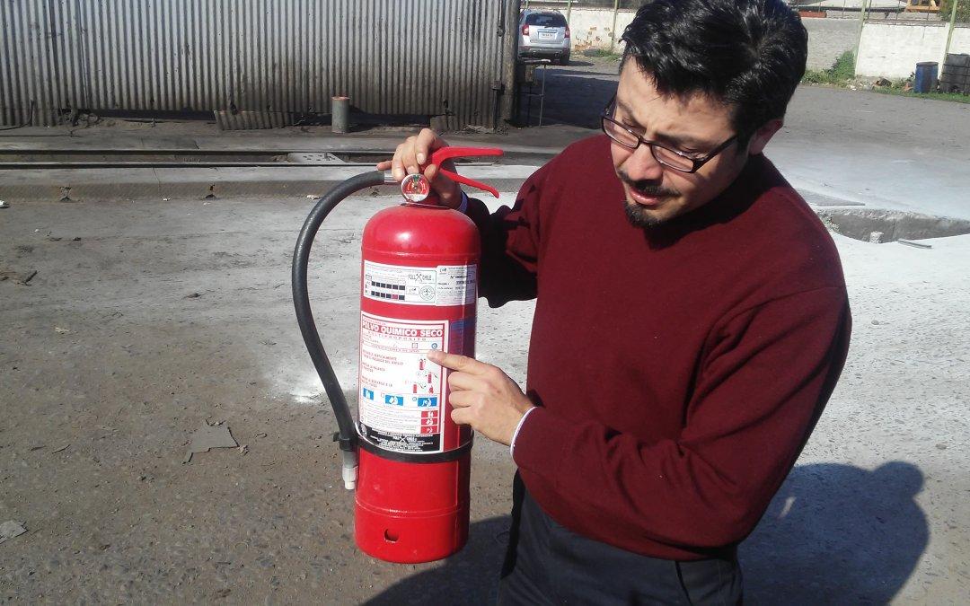 Flota Talagante participa en Taller de Uso de Extintores de Incendio realizado por la Asociación Chilena de Seguridad, ACHS