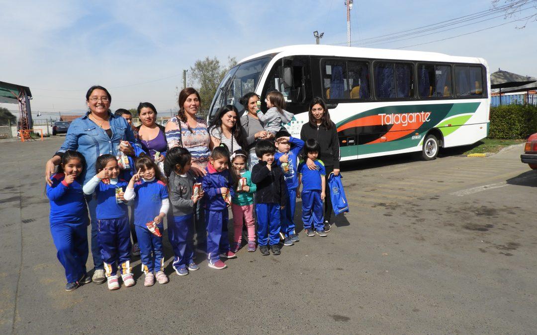 Flota Talagante realiza visita guiada en instalaciones a Escuela de Lenguaje Melodías Mágicas